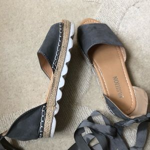 Shoes - Gray lace up sandals